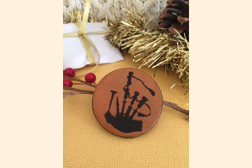 Bagpipes Magnet with Holiday Background