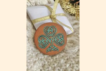 Celtic Shamrock Magnet with Holiday Background