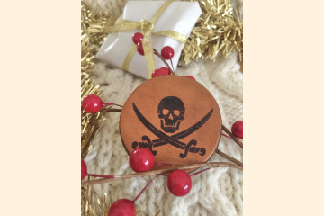 Pirate Magnet with holiday Background
