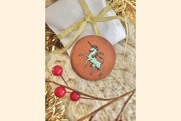 Scottish Unicorn Leather Magnet with Holiday Setting