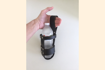 Leather Water Bottle Holder, for Wide Kilt Belt, Festival Gear for Bagpipe Pipers and Kilt Men, Birthday Gift for Men and Women
