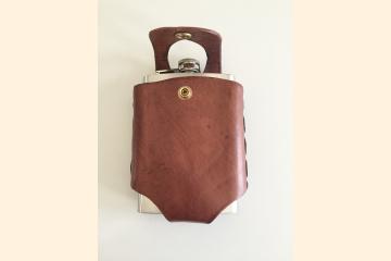 Leather Flask Holder for Hip Flask, Scottish Festival Gear for Scotch Whisky, Fits on Wide Kilt Belt, Gift for Kilt Wearers,