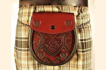 Sporran Celtic Knot Heart, Essential Belt Bag for Kilt, For Kilted Men and Kilted Women