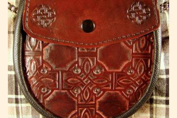 Sporran Celtic Knot Circle Cross Burgundy Red Sporran